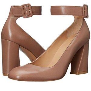Stuart Weitzman Shoes - Stuart Weitzman Clarissa pump
